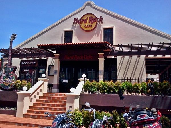 Hard Rock Cafe Melaka Live Band