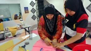 kelas jahitan tudung masjid tanah melaka class pic (4)