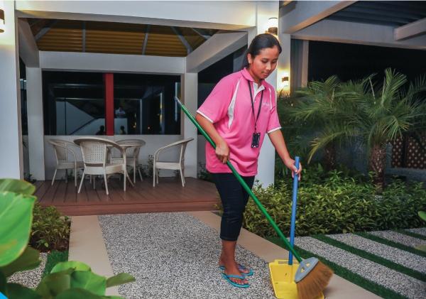 Kujaya Maid Agency Cleaning Office Home Domestic Helper